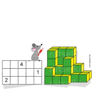 Ein bunter Würfelturm und eine Skizze seiner Grundfläche. In der Skizze siehst du den Würfelturm von oben. Trage im jeweiligen Kästchen ein, wie viele Würfel jeweils übereinander stehen. Drei Zahlen sind schon ausgefüllt.